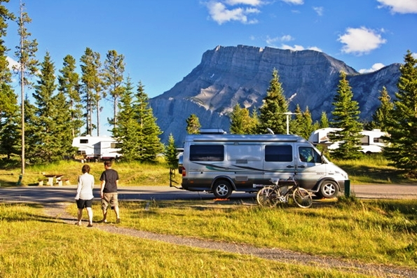 Tunnel Mountain Campground