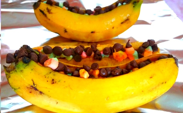 Breakfast and Dessert in One - Cereals With Grilled Bananas