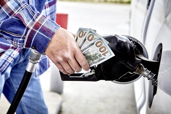 4 Tips to Save Fuel on Summer RV Trips